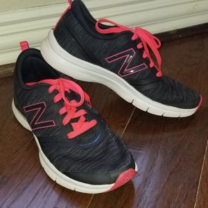 New Balance 711 tennis shoes, Size 8